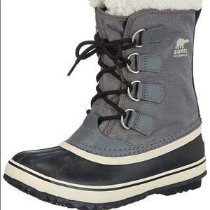 Sorel Winter Carnival Boots NWOT